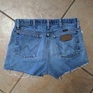 Wrangler Shorts - Wrangler cut off jean shorts
